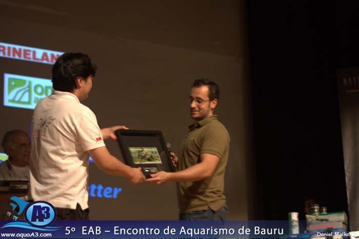 Grande Renato Kuroki recebendo o 2º colocado na Categoria Plantados.
