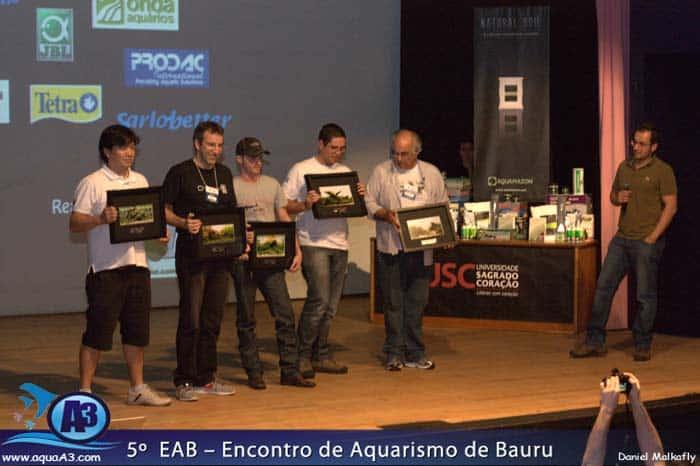 Apresentando os trófeus: Renato Kuroki, Luca Galarraga, Adriano Montoro, Luidi Rafael e Gary José.
