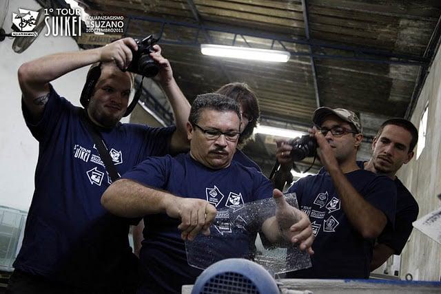 O Toninho nos mostra todos os processos da linha de montagem de um aquário.