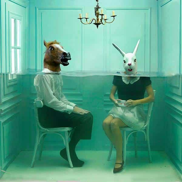 O Surrealismo Submerso de Lara Zankoul