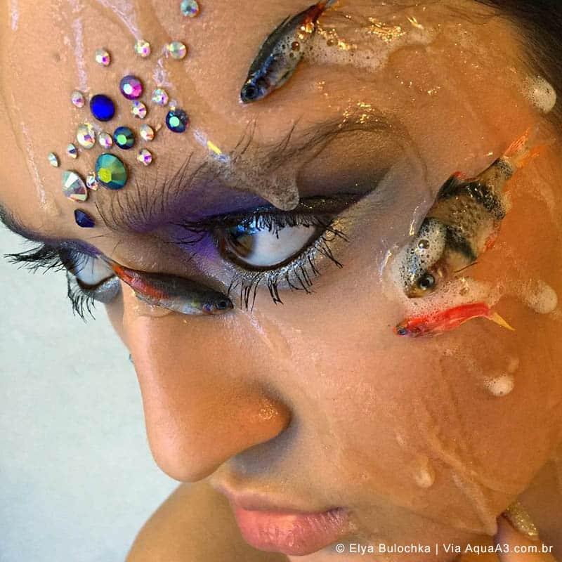 Maquiadora russa causa indignação após o uso de peixes ornamentais mortos nos rostos