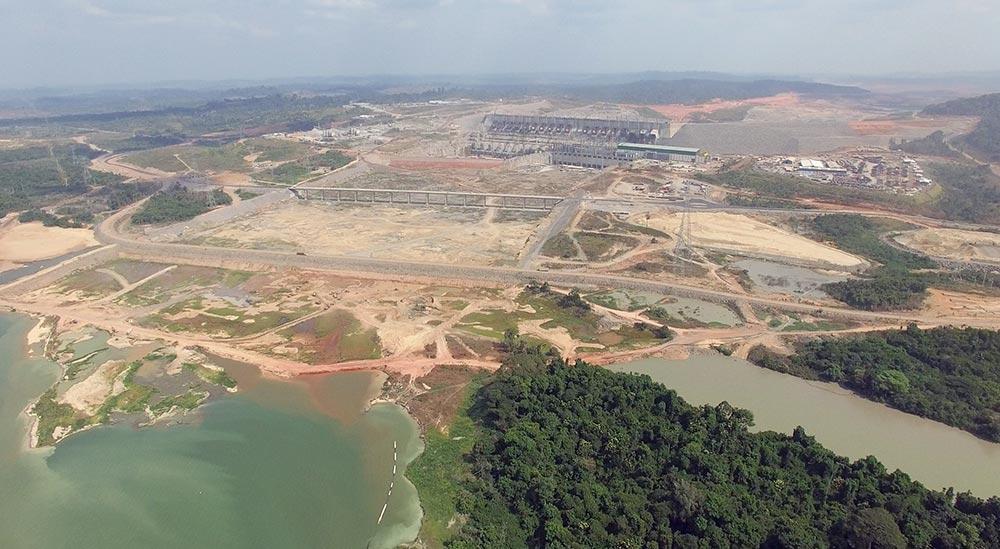 Desvio do Rio Xingu na usina hidrelétrica de belo monte